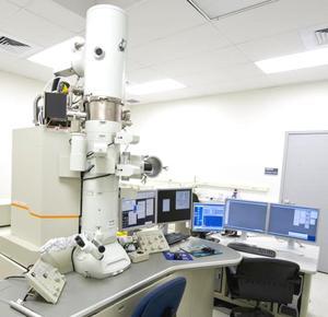 高分辨场发射透射电子显微镜(JEM 2100F)